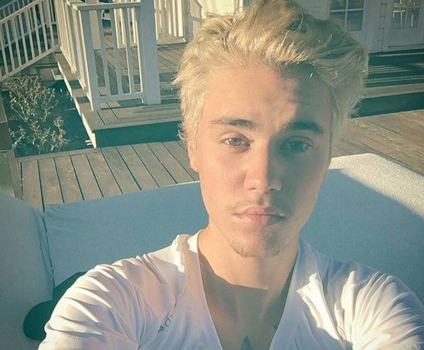 Justin Bieber poses for a selife on his Instagram account. (Source: Instagram.com/justinbieber)