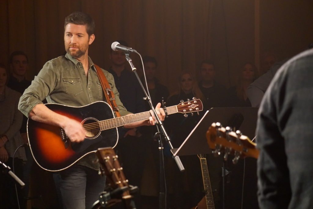 Josh Turner performing songs from his upcoming album, Deep South. (Photo source: Stan Fletcher)