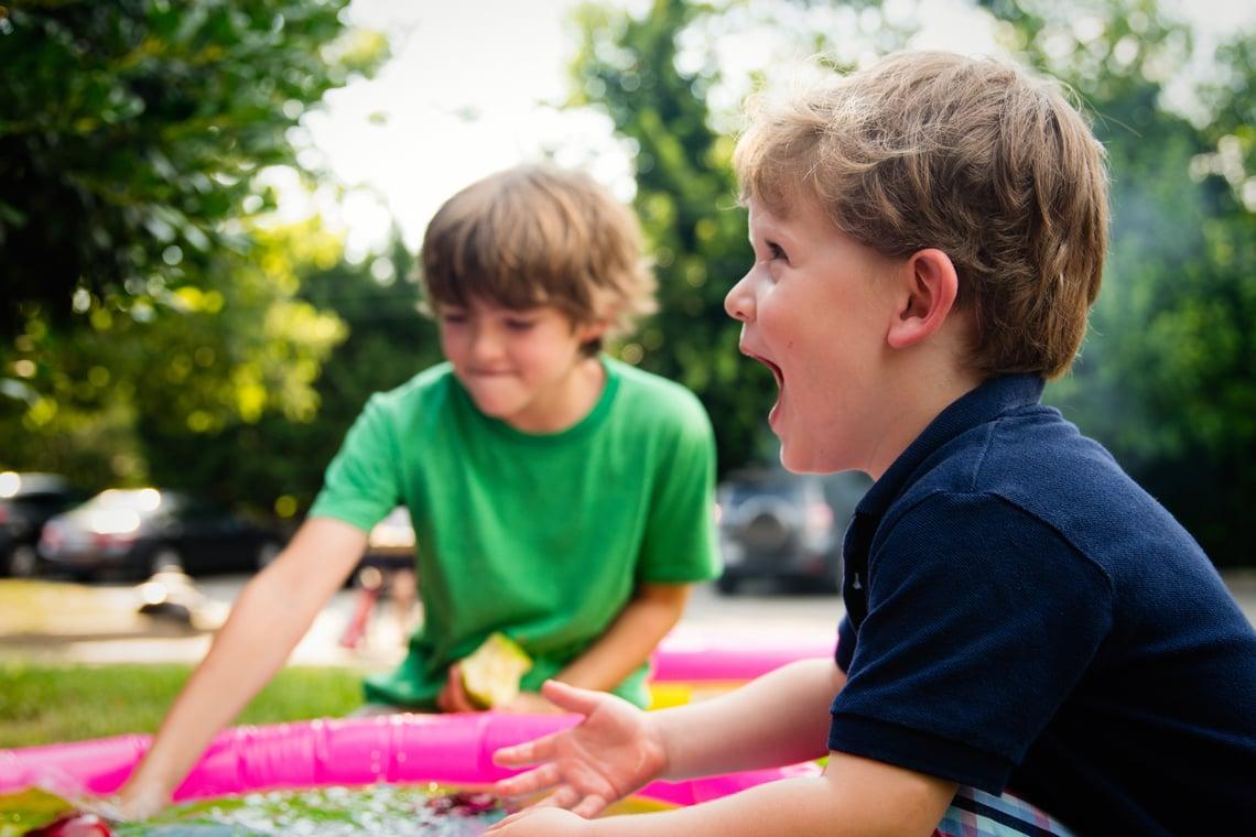 kids-outside-3